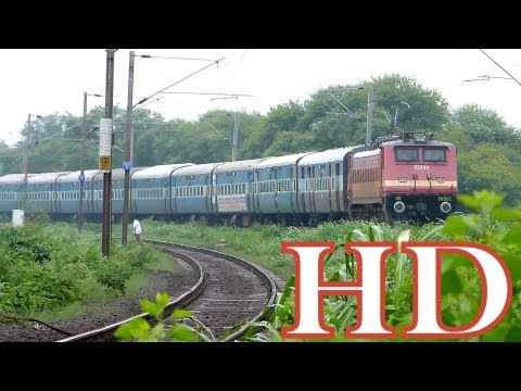 Kerala Express With Old Erode Monster Ed Wap4 22249 Silent Attack At Misrod , Bhopal  !! video