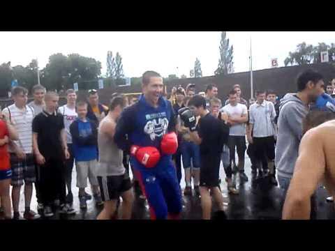 Дружественный бокс: Денис Минин и Евгений Кочерга