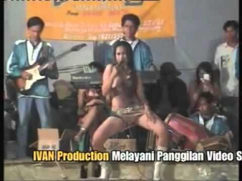 Tangan-tangan Hitam - Dangdut Telanjang Bokep - Malla Kharisma video