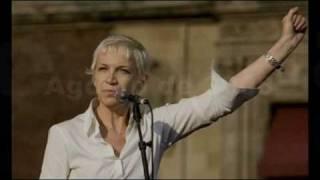 Watch Annie Lennox Womankind video