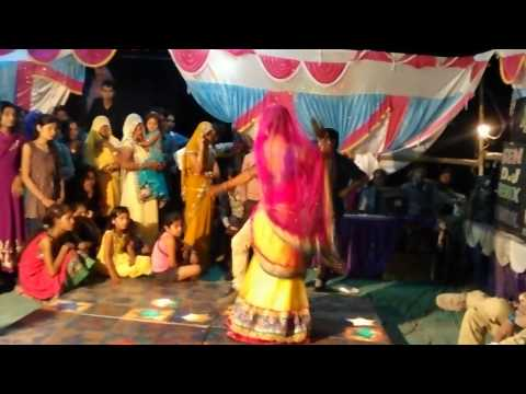 Desi Marriage Dance In Rajasthani Song daaru Ki Bottle By Doctor With His Wife video