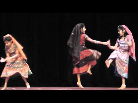 Srujanas Performance(Group Dance for Rangeelo maro dholna song...