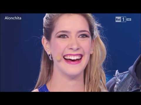 Clari en NSG + Tini cantando Te creo- 21-02-15