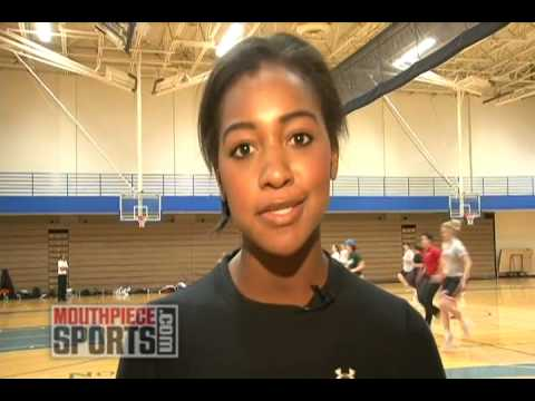 Walter Payton >> Brittney Payton Tries Out for the Chicago Force - YouTube