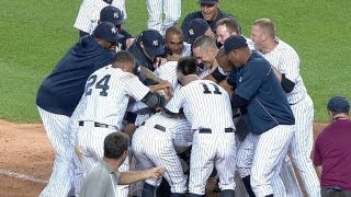 Ichiro smashes a walk-off homer in the ninth