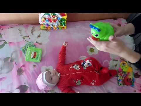 Как играть с малышкой в 4 месяца
