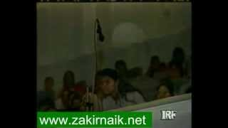 Zakir Naik Q&A-24  |   Why no women allowed on stage during Dr Zakir Naik speech