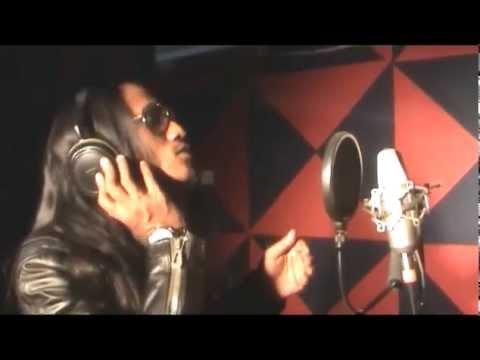 Ayie (Leon) - Aku Tak Kisah (Official Music Video)