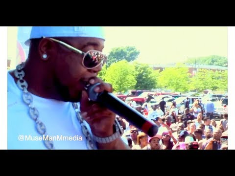 Twista Make A Movie Feat. Chris Brown (( LIVE))