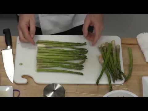 Как готовить спаржу Polonaise. Перевод с английского (субтитры)