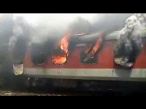 Fire on 2 Rajdhani Express trains at New Delhi railway station; no casualties