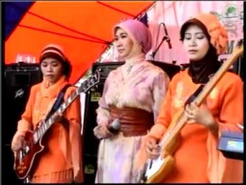 Sholawat Badar, Nur Afiyah * Qosidah Zuhriyah Nada - Sedayu Gresik ( Turi-lamongan 27 Sept 2010) video