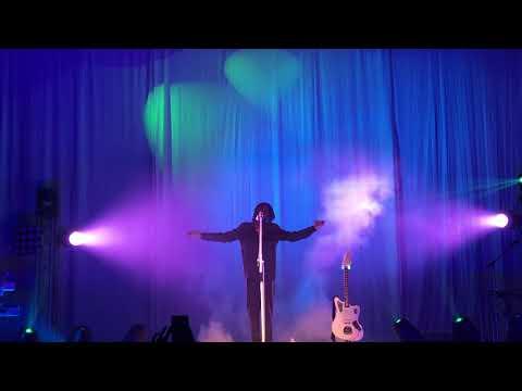 """Daniel Caesar """"Hold Me Down"""" live at Fillmore 10-21-17"""