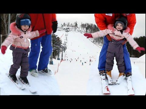 VLOG: Дети учатся кататься на горных лыжах. Зимние Забавы и Развлечения Для Детей