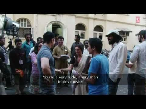 Aamir having fun while shooting Talaash | Aamir Khan, Rani Mukherjee
