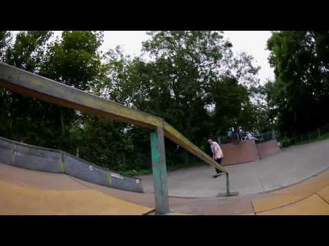Sunday with Sam Fewtrell - Jubilee Skateboarding