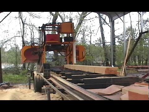 LogMaster sawmill cutting a Pine log