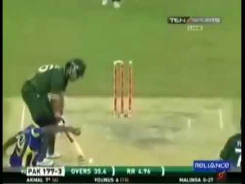 Lasith Malinga clean bowled Umar Akmal