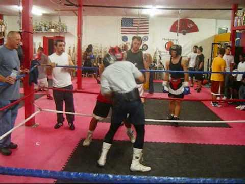 Boxing | Amateur vs. Professional Sparring Image 1