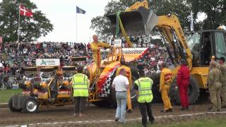 Modified 4,5t @ Tractor Pulling Haßmoor 2011