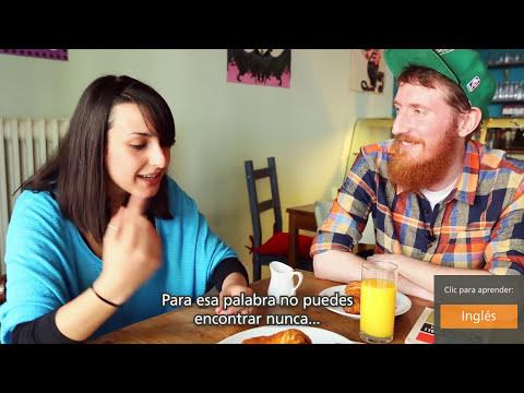 Babbel | Un chico que habla 9 idiomas desayuna con una chica que habla 6