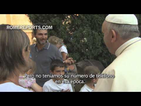 Francisco conoce a la familia que peregrinó a lomos de dos asnos hasta el Vaticano