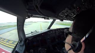 Boeing 737-900ER cockpit view Takeoff and Landing