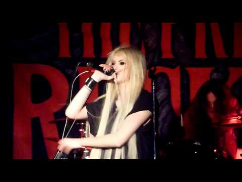 "The Pretty Reckless (Taylor Momsen) - ""Seven Nation Army"" Live - Seattle, WA - 03-17-12"