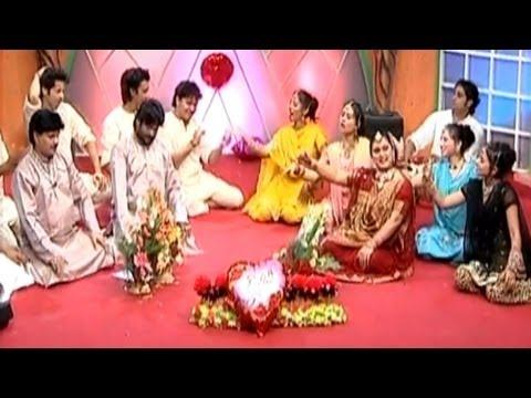 Aaja Gori Baahon Mein | Qawwali By Taslim, Aarif Khan, Teena Parveen | Aaja Meri Baahon Mein video