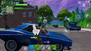 Playing Fortnite on iPhone SE