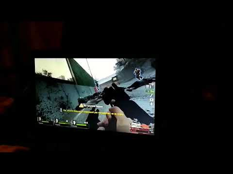 Моя девушка играет в Left 4 Dead 2 :D))))