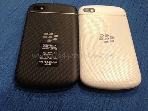Blackberry Q10 White Vs Black Comparison Review