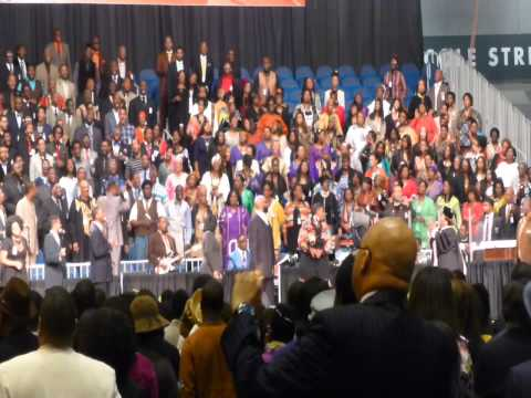 Twinkie Clark Medley at 105th COGIC Holy Convocation