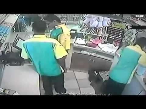 Pekerja Petronas Curi RM$4000 Kena Tangkap Kantoi Sebab Rakaman CCTV