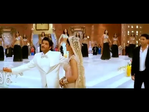 Akshay kumar song Mere Saath Chalte Chalte -indian songs.flv