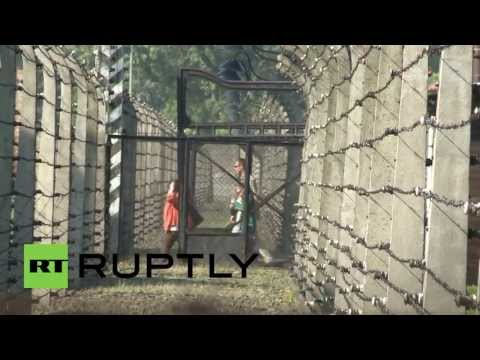 Poland: Netanyahu opens new 'Shoah' exhibition at Auschwitz