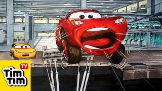 How to draw cars 3 lightning mcqueen crashed through the simulator screen easy step by step - Coloriage cars accident ...