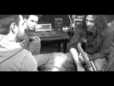 Korn's James 'Munky' Shaffer recording with Deadly Apples