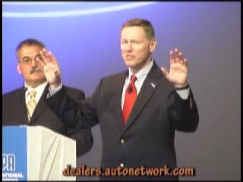 2007 New York Auto Show, Alan Mulally.