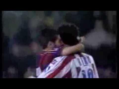 Abrazo entre Kiko y Guardiola