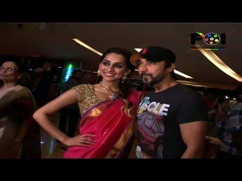 Anusha At The Premiere Of Jai Jai Maharashtra Maza