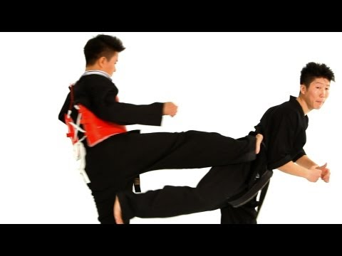 Taekwondo Kicks: Jump Back Kick in Sparring | Taekwondo Training for Beginners Image 1