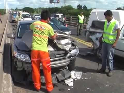 Accidente múltyiple en el puente chaco-corrientes