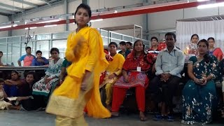 Bangladeshi school girl  dance