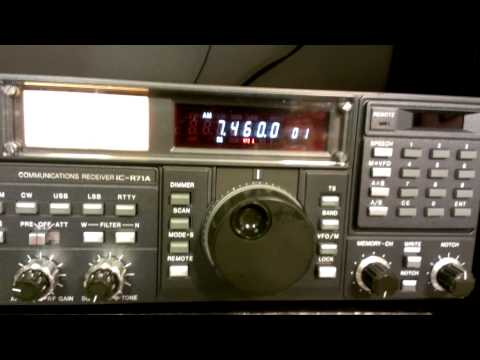 Icom R71A tuning in on Radio Payem