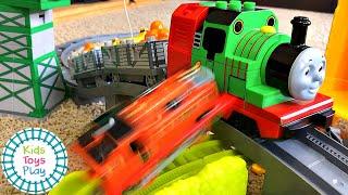 Thomas and Friends Train Crashes Duplo VS. Trackmaster