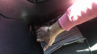 How to change pollen filter Seat Leon 1P1