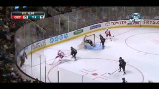 Pavel Datsyuk dekes Couture [HD] / Дацюк зафинтил Couture до потери равновесия