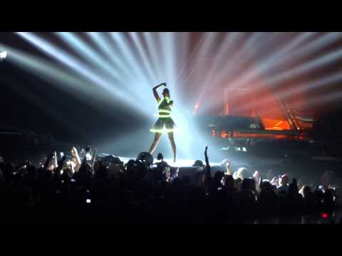 Katy Perry - Intro / Roar / Part Of Me - Live Montreal Bell Centre 07/15/2014