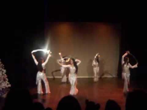 EL CASCANUECES Belly Dance en el Foro Ana Ma. Hernández *AiNi iLeYaNN Company*